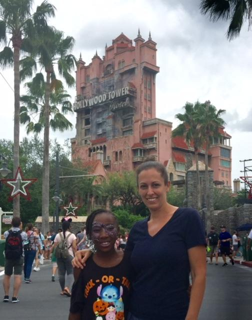 Child and mother in front of tower of terror- tier 1 fast pass choice for Hollywood studios
